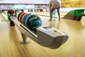 Comment mieux jouer au bowling : conseils de bowling pour les débutants